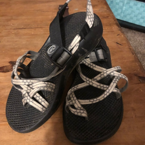 8d9c22effdb9 Chaco Shoes - Chacos size W7